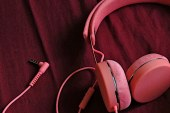 Urbanears Humlan Coral: The Wash and Wear Headphone