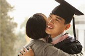 Shop with Citi Credit Card to reward your graduates with a special gift