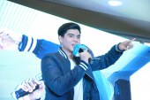 Actor-dancer Paul Salas entertains Vivo fans, selfie lovers at SM Cauayan