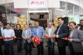 First PLDT-Smart store now opens in BGC