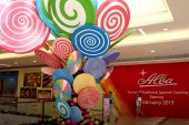 Sweetest Christmas illusions come alive at Estancia with candy-inspired installations