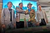 Certified BioGro producer Santé renews Kuya Kim Atienza as brand ambassador