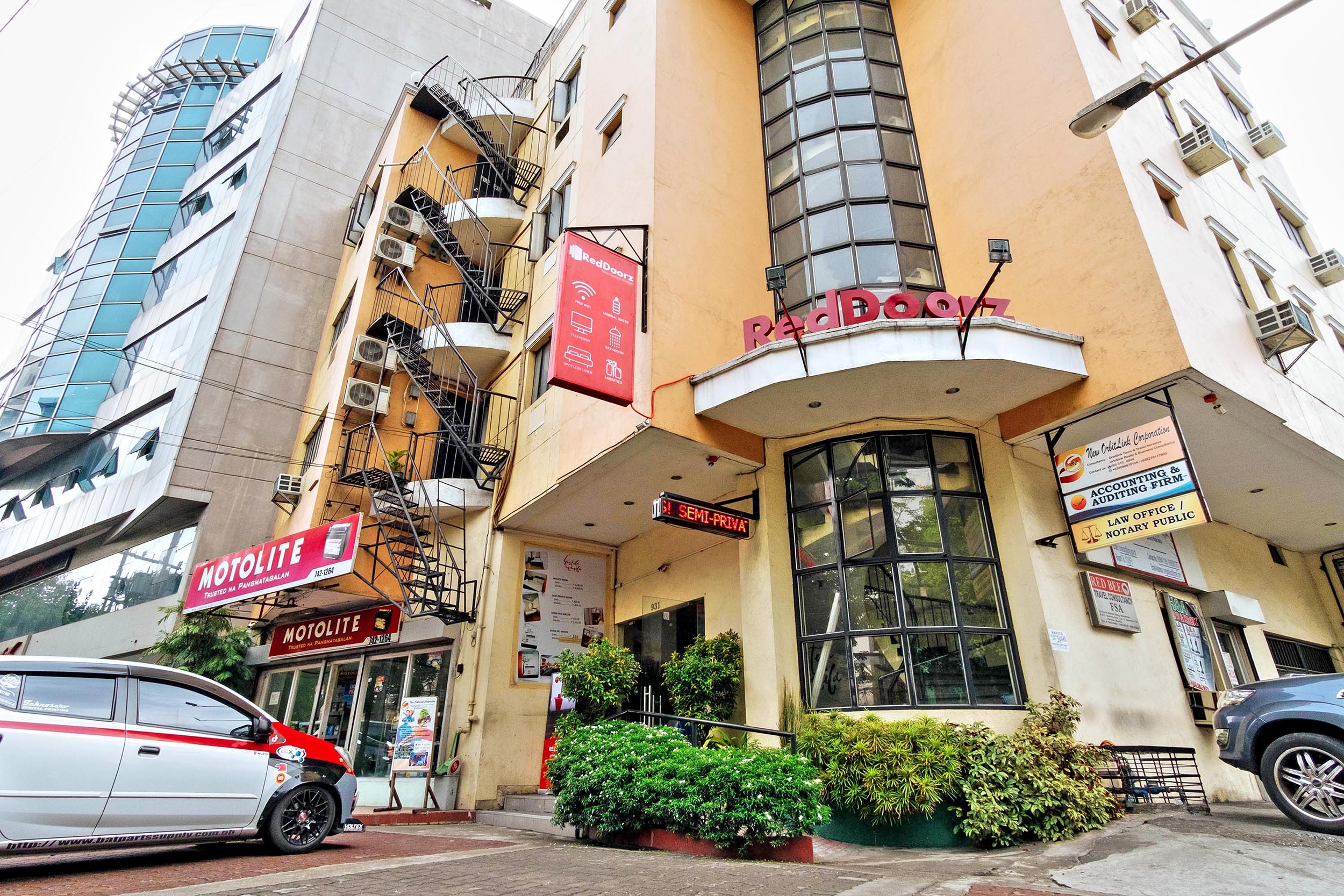 RedDoorz partners with DOT and Manila City Hall offers free accommodation for frontline healthcare workers in Manila
